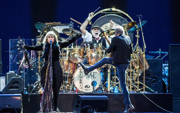 Fleetwood Mac at Little Caesars Arena